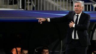 Ancelotti, en el partido ante el Sheriff. (AFP)