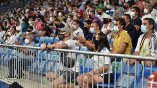 Los aficionados del Real Madrid, durante el partido ante el Celta (Getty).