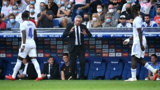 Ancelotti, durante el partido contra el Espanyol. (AFP)