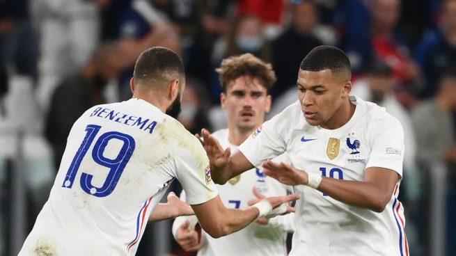 Mbappé y Benzema lideran la remontada de Francia