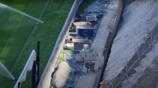 El nuevo Bernabéu tiene un muro en el fondo sur.
