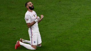 Karim Benzema celebra el triunfo de Francia en la Liga de Naciones (AFP).