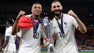 Benzema y Mbappé celebran la Nations League.