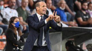 Allegri da instrucciones durante un partido de la Juventus. (AFP)