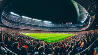 Una vista panorámica del Camp Nou antes de la pandemia. (@FCBarcelona_es)