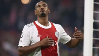 Sebastién Haller, durante un partido con el Ajax. (AFP)