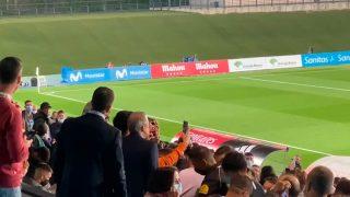Florentino Pérez se dio un baño de masas.