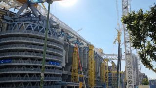 El nuevo Bernabéu ya deja entrever por donde va a crecer el edificio que levita.