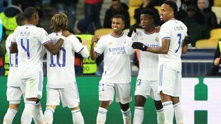 Vinicius celebra con sus compañeros un gol de época.