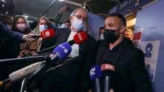 Valbuena, a su salida del juicio. (AFP)
