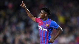 Ansu Fati celebra un gol con el Barcelona. (Getty)