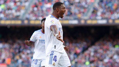 Alaba celebra su gol en el Camp Nou. (Getty)