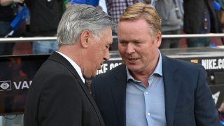 Ancelotti y Koeman, en el Clásico. (AFP)