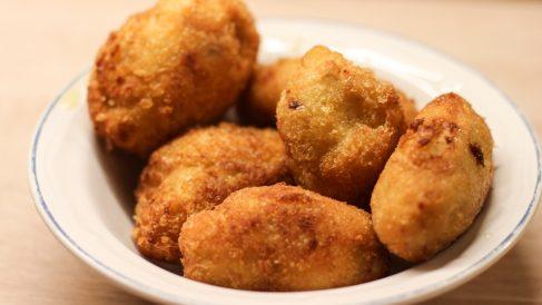 Receta de croquetas de pollo con puré de verduras