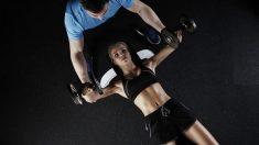 El ejercicio de pesas suele ser uno de los más complicados de realizar.