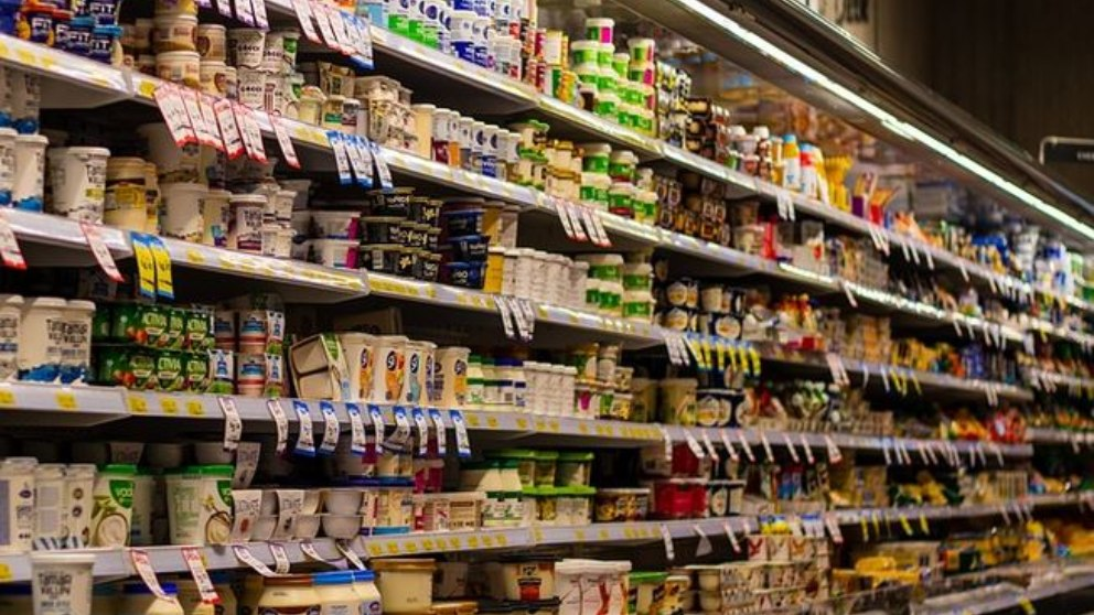 Muchas personas se cuestionan sobre si deben tomar alimentos light.
