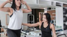 Una de las funciones del entrenador personal es que nos aconseja y nos sirve de guía a la hora de realizar bien nuestro entrenamiento.