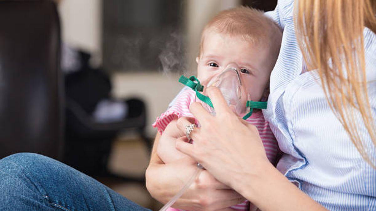 Las causas y cómo tratar las sibilancias en los niños