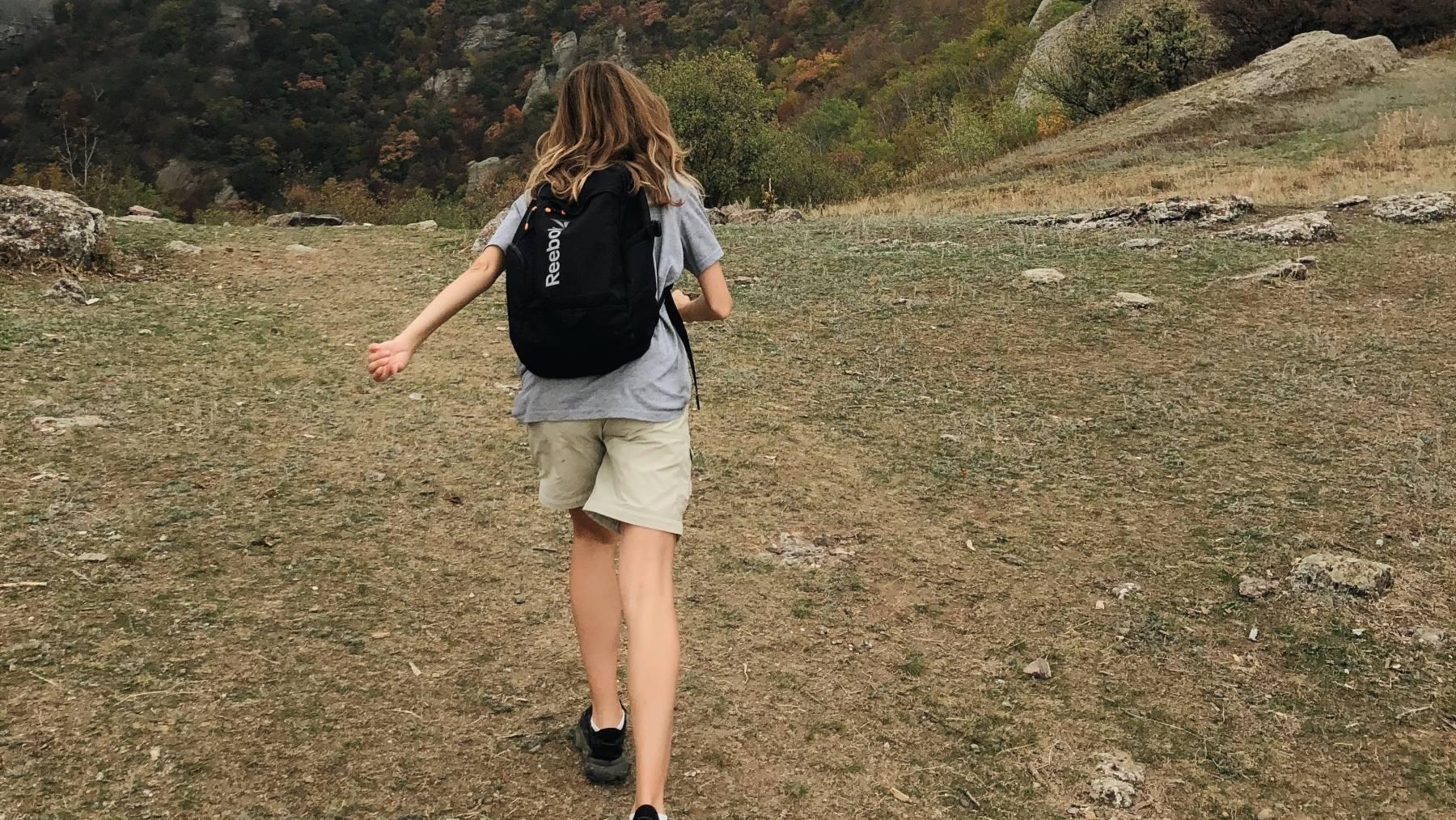 Correr o andar en cuestas