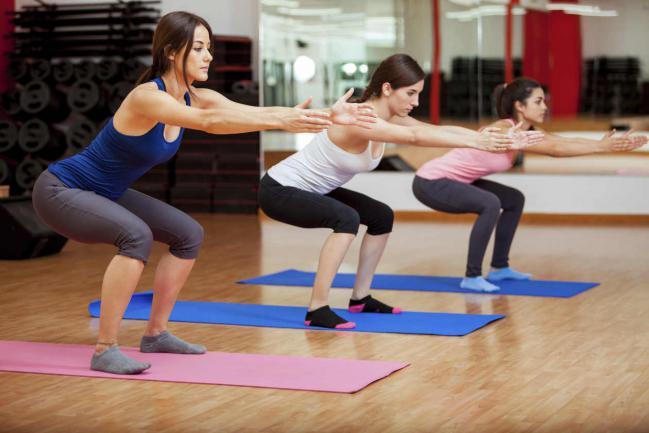 5 ejercicios de piernas que no pueden faltar en tu rutina en el gimnasio