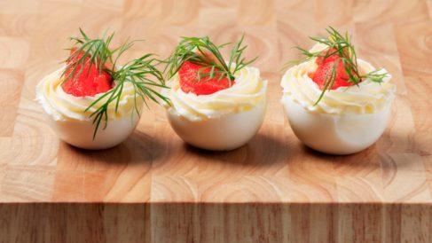 Receta de huevos rellenos de salmón
