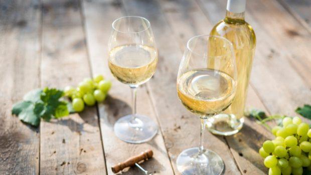 Receta de melocotones al vino blanco