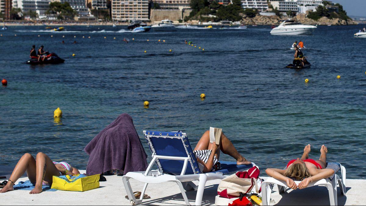 Los datos del turismo extranjero no hacen sino aumentar este verano (Foto: David Ramos/Getty)