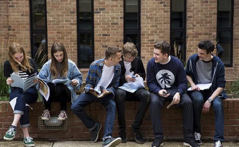 Dos de cada diez estudiantes no acaban la carrera, según un estudio