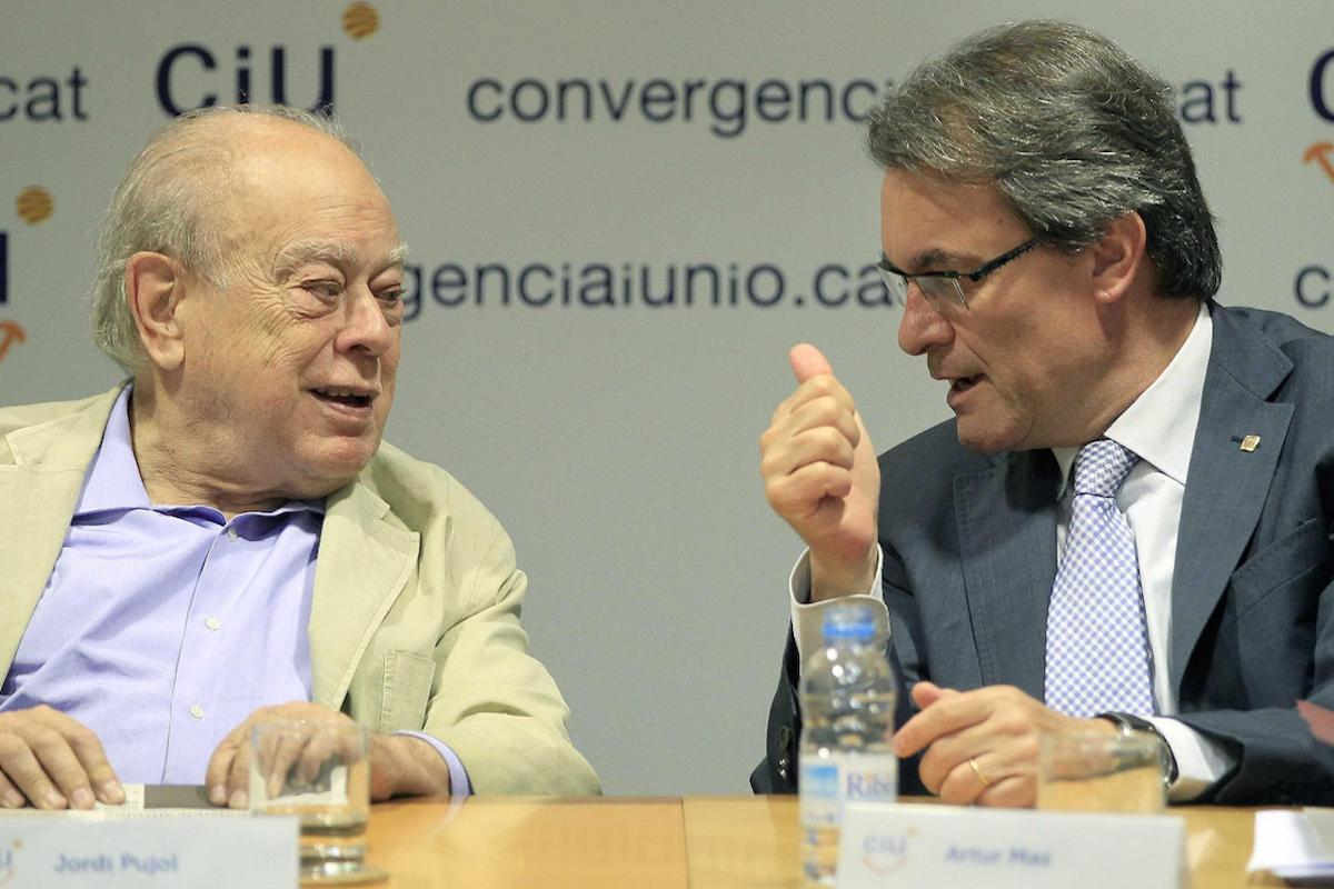 Artur Mas fue consejero de Obras Públicas de Jordi Pujol antes de presidir la Generalidad. (Foto: EFE)