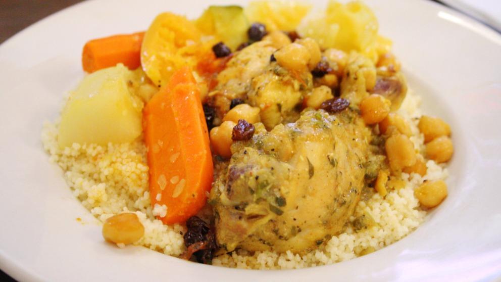 Receta de Cous cous con pollo y verduras.