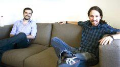 Alberto Garzón junto a Pablo Iglesias durante una reunión.  (Foto: EFE)