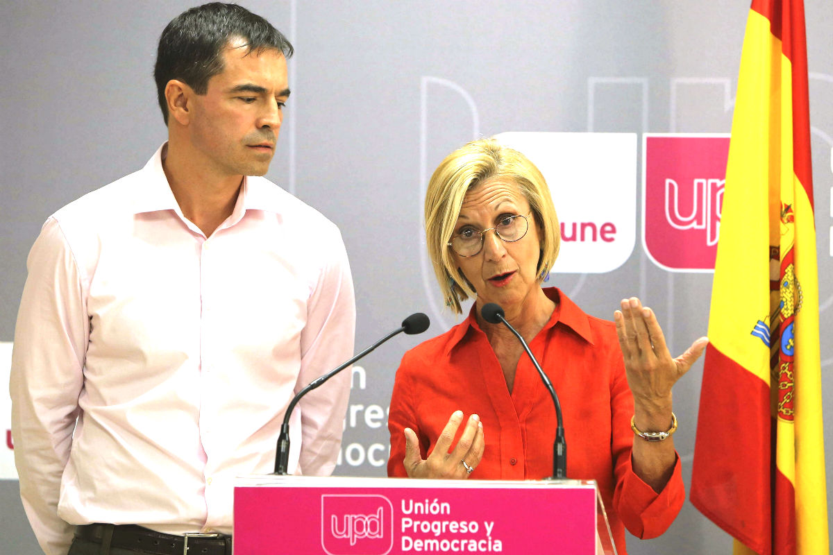 Andrés Herzog y Rosa Díez se enteraron por la prensa de la salida de Lozano. (Foto: EFE)