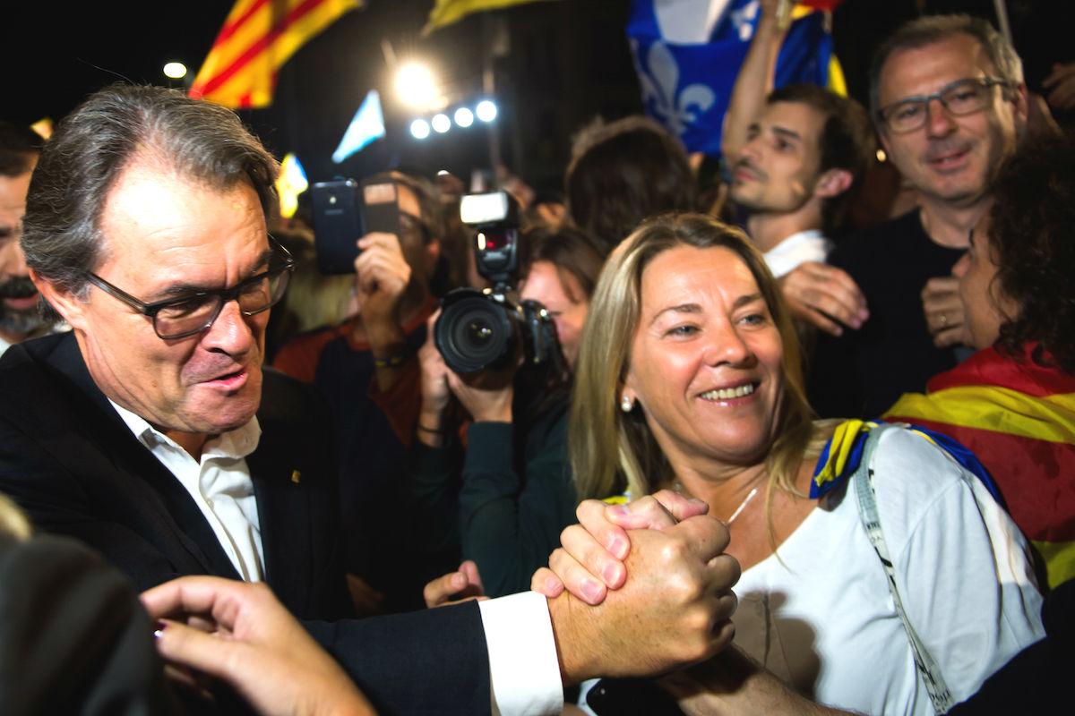 Artur Mas se garantiza el apoyo de la prensa con dinero público. (Foto: GETTY)