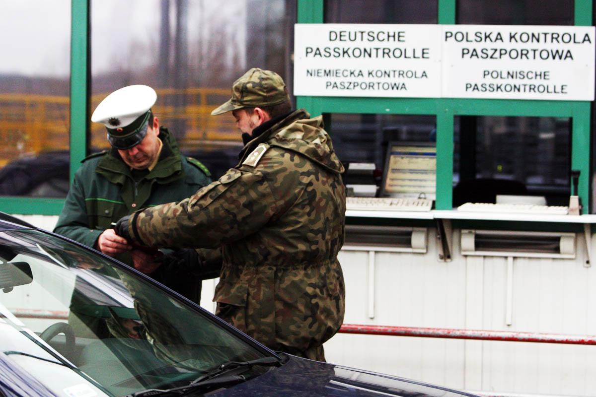Control de pasaportes en Alemania en 2007, el último día de control con Polonia (Foto: Getty)
