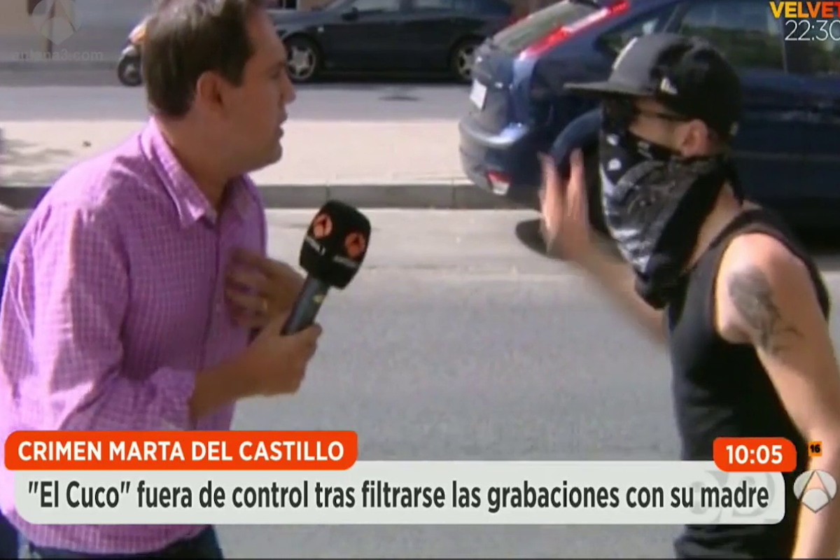El Cuco se dispone a agredier al periodista de Antena 3