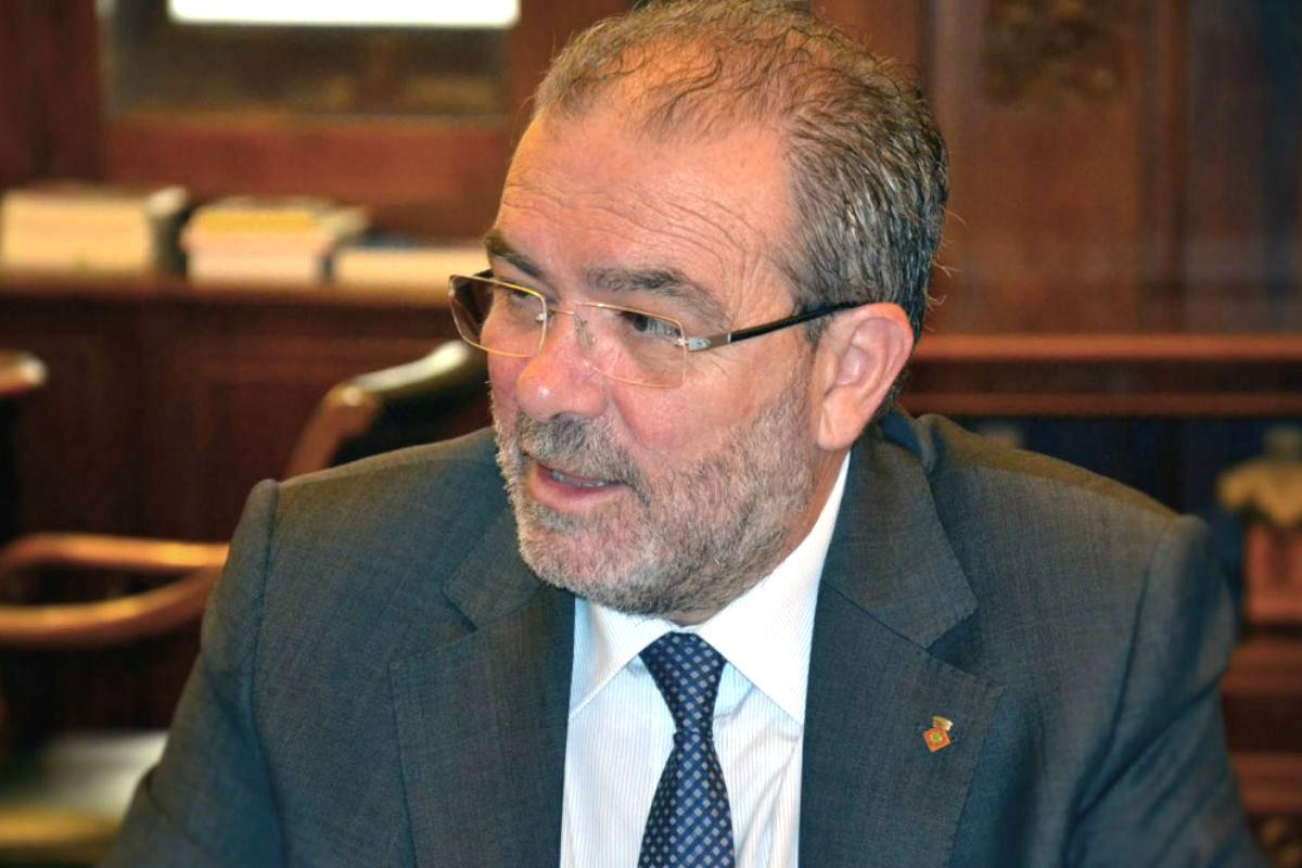 Joan Reñe cobró comisiones del 8%