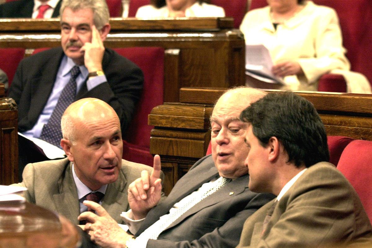 El clientelismo ha mantenido en silencio a los empresarios catalanes en los últimos años. (Foto: EFE)