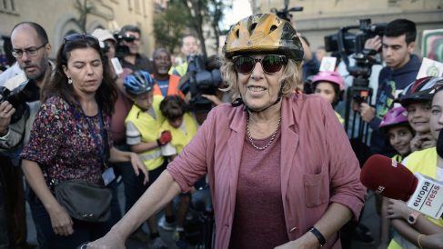 La alcaldesa Manuela Carmena, durante la celebración del día de Madrid sin coches (Foto: Getty)