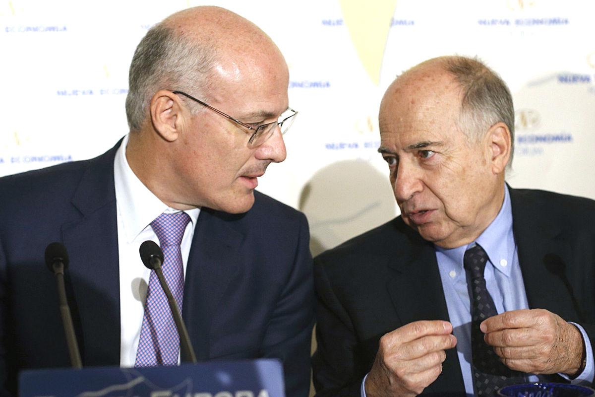 Narciso Michavila y Juan José Toharia en un acto de Nueva Economía Fórum. (Foto: EFE)