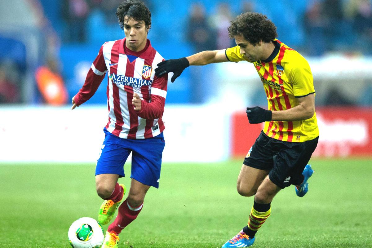 Óliver Torres durante el encuentro de Copa del Rey frente al Sant Andreu (Getty)