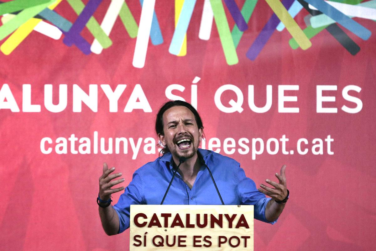 Pablo Iglesias durante un mitin en la campaña del 27S (EFE).
