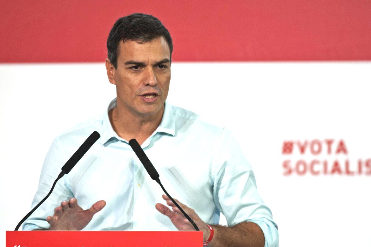 Pedro Sánchez durante un acto de campaña. (Foto: EFE)