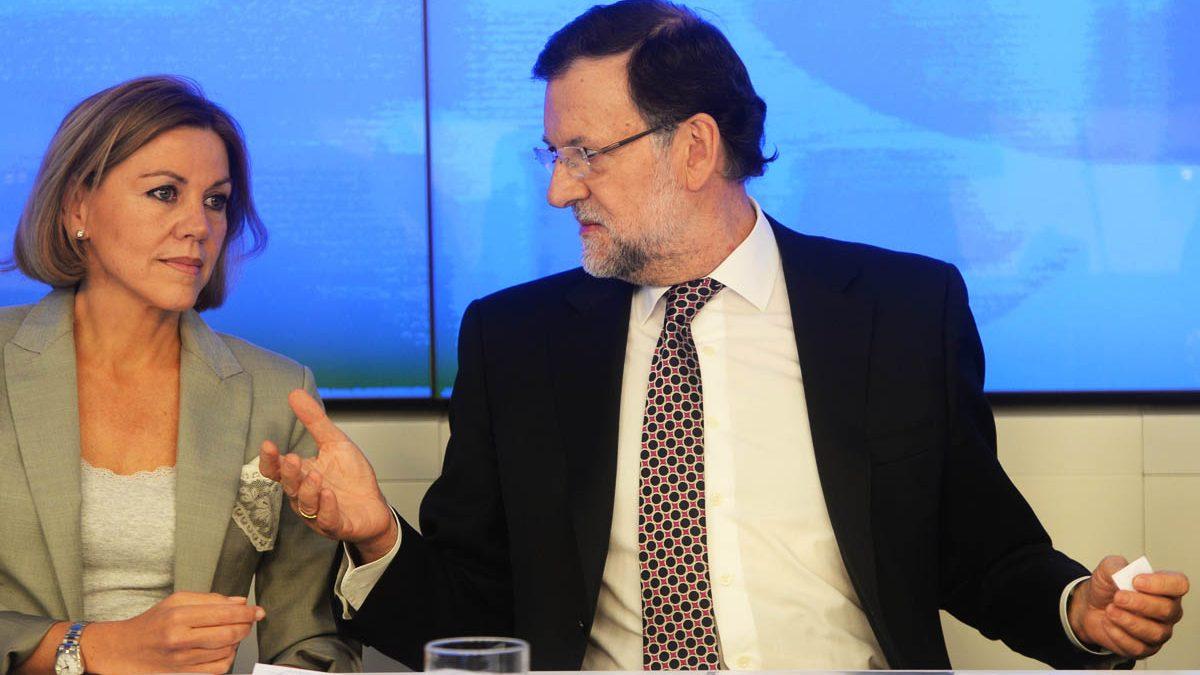 Mariano Rajoy en una ejecutiva del PP junto a Cospedal. (Foto: Getty)