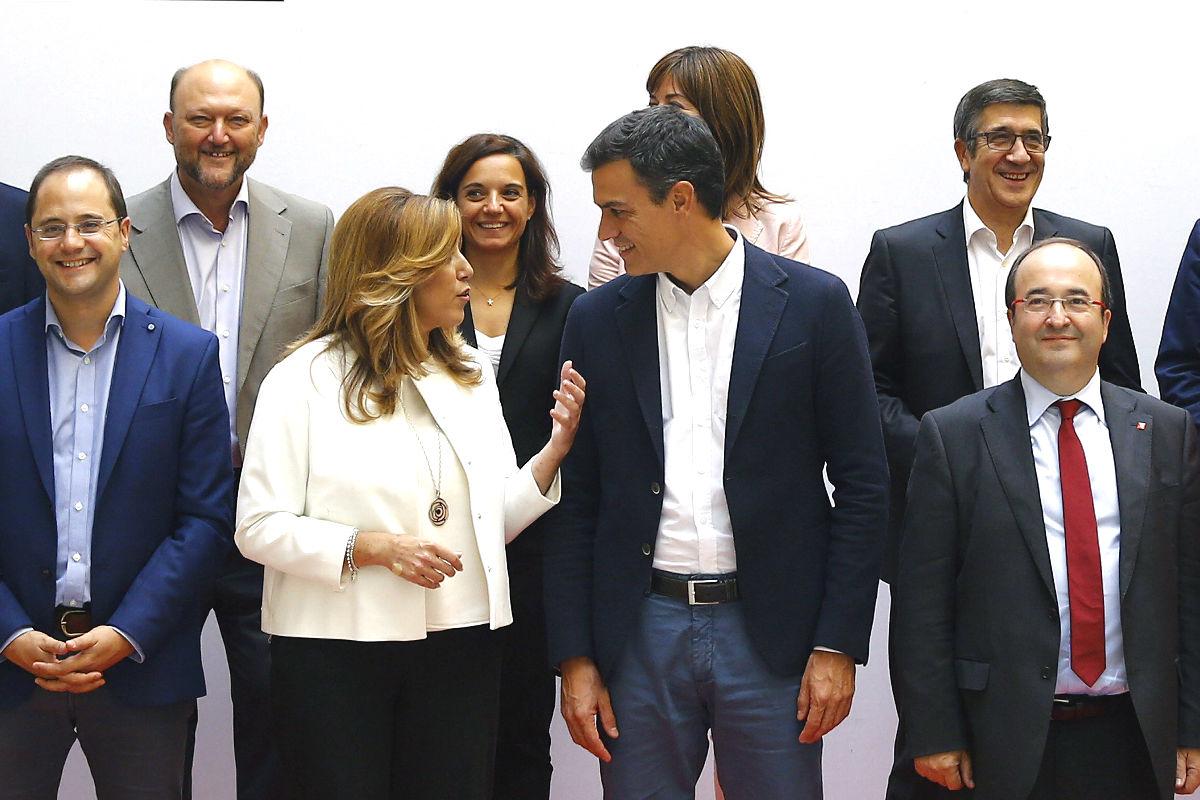 Susana Díaz junto a Pedro Sánchez. (Foto: EFE)