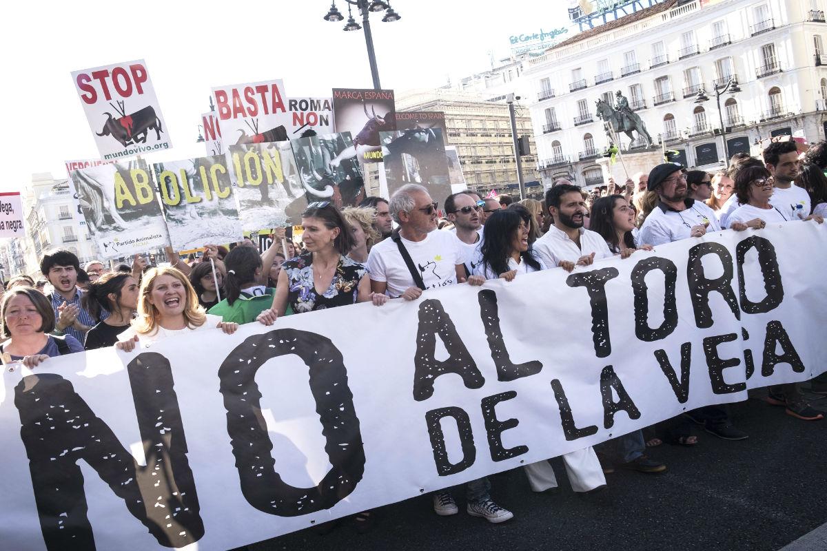 Manifestación en Madrid contra el Toro de la Vega. (EFE)