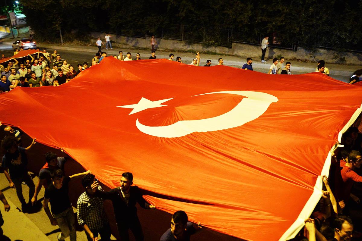 Protestas contra los últimos atentados del PKK este miércoles en Estambul (Foto: Getty)