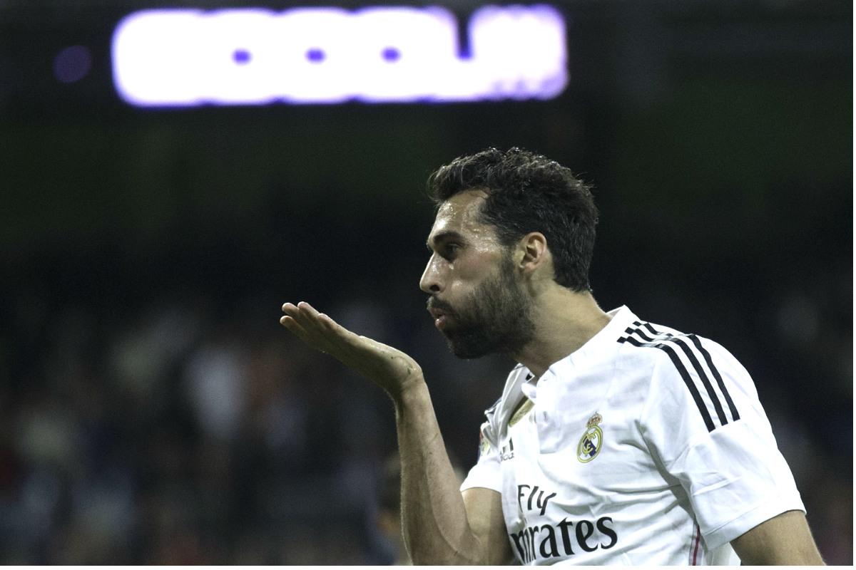 Arbeloa brinda al público su última asistencia de gol la temporada pasada. (Getty)
