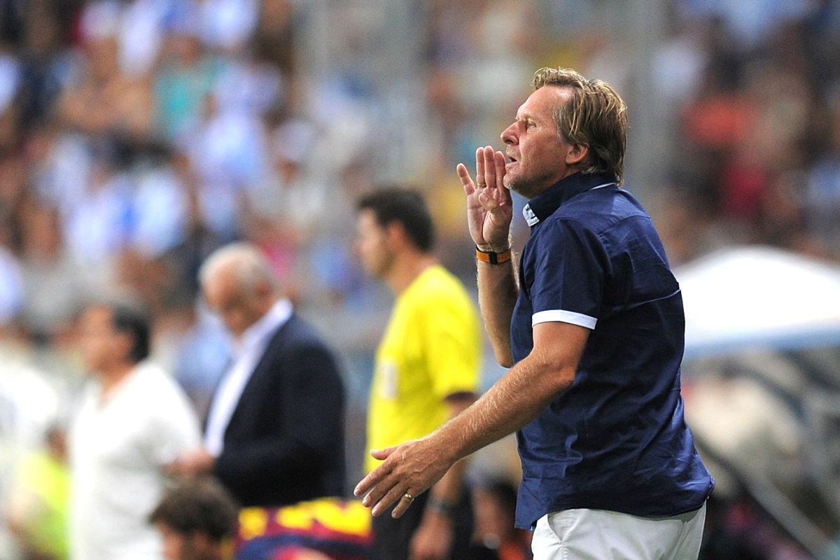 Bernd Schuster dando instrucciones con su último equipo, el Málaga (Getty)