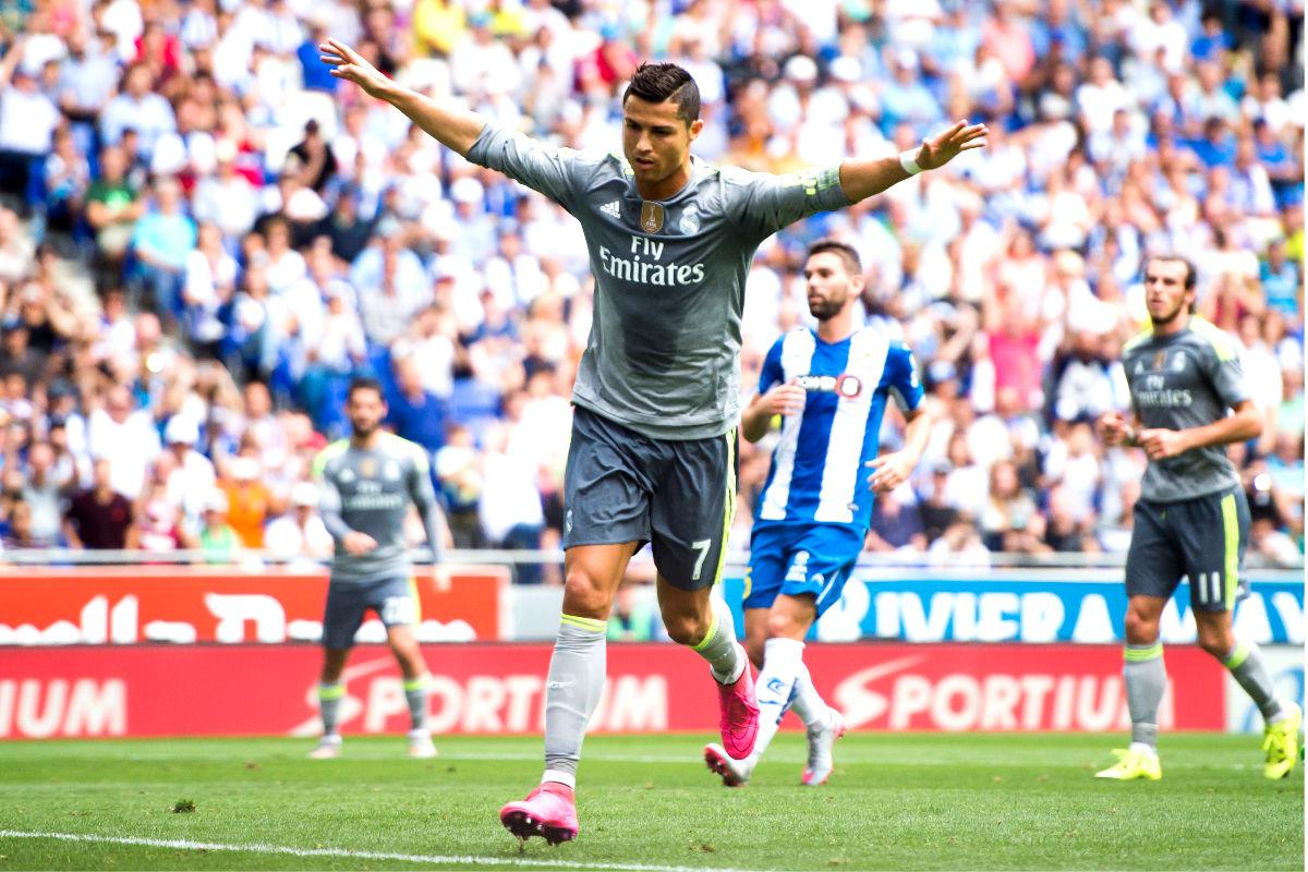 Cristiano Ronaldo celebra uno de los cinco goles que anotó ante el Espanyol (Getty)