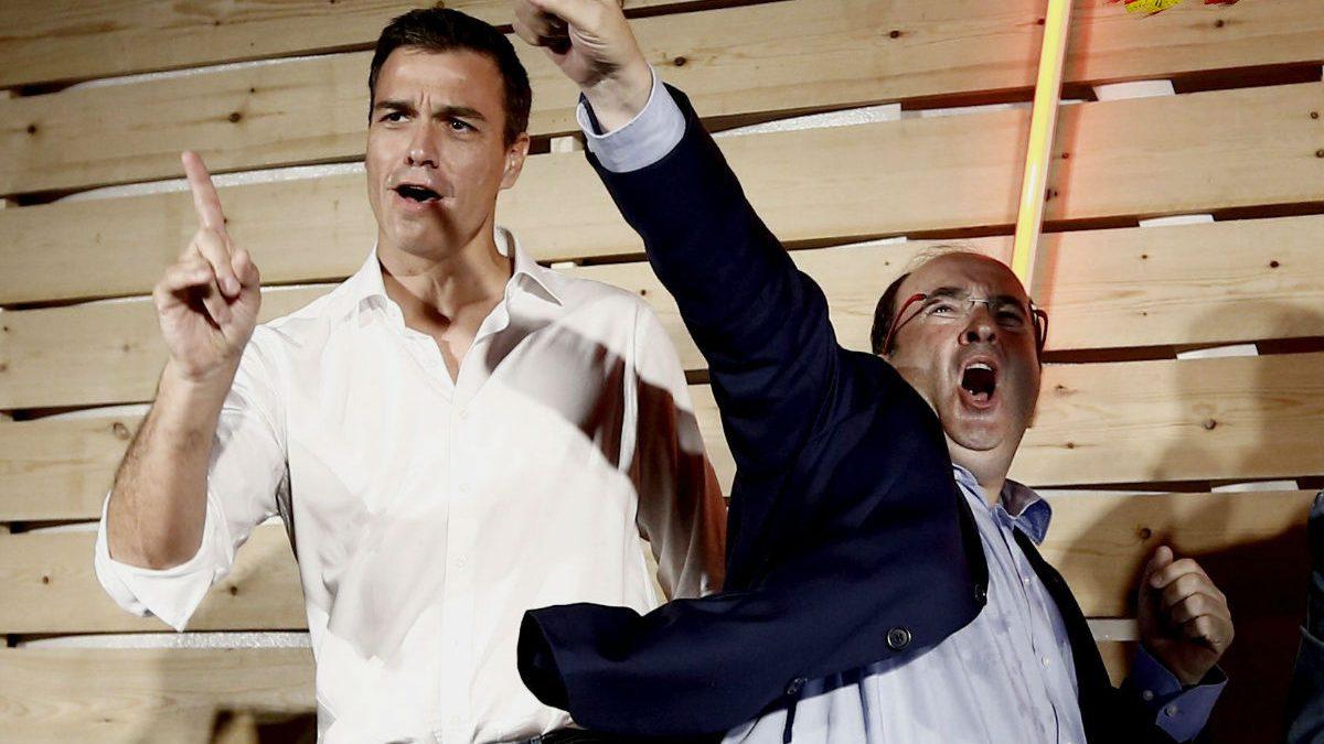 Sánchez e Iceta en el cierre de campaña. (Foto: Efe)